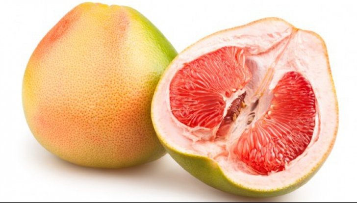 pomelo fruct intreg si taiat