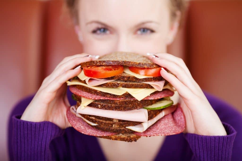 mâncați burgeri și pierdeți în greutate pierderea în greutate va scăpa de celulită