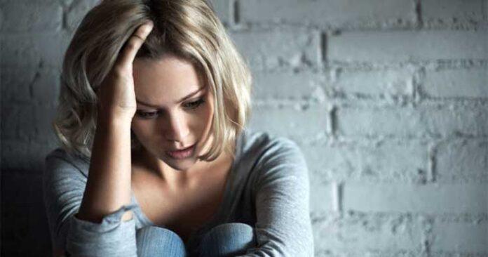 femeie cu anxietate